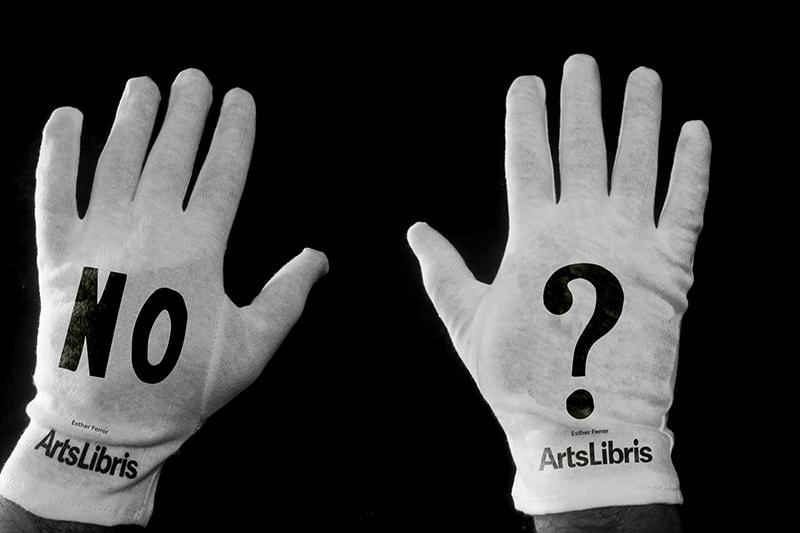 ArtsLibris-guants-EstherFerrer-2